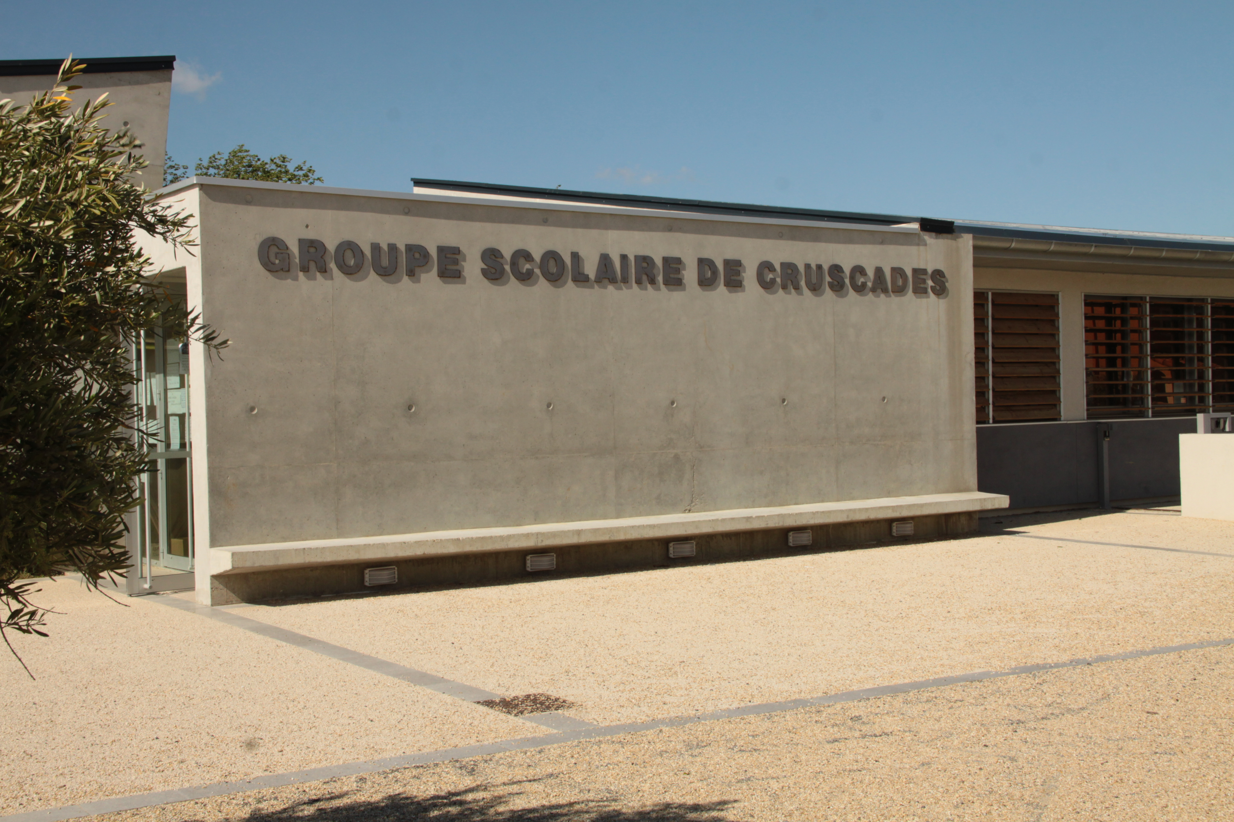 groupe scolaire cruscades